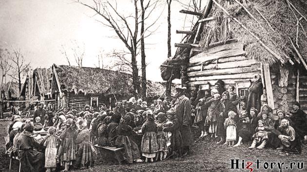 Народная столовая в деревне Пралевке Лукояновского уезда. 1891-1892 гг. Негатив