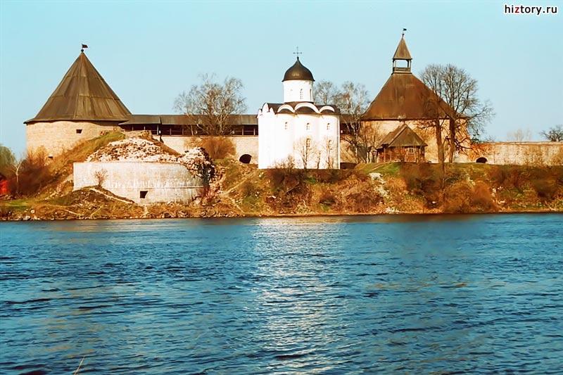 Старая Ладога. Вид на крепость со стороны р. Ладожка (современная фотография)